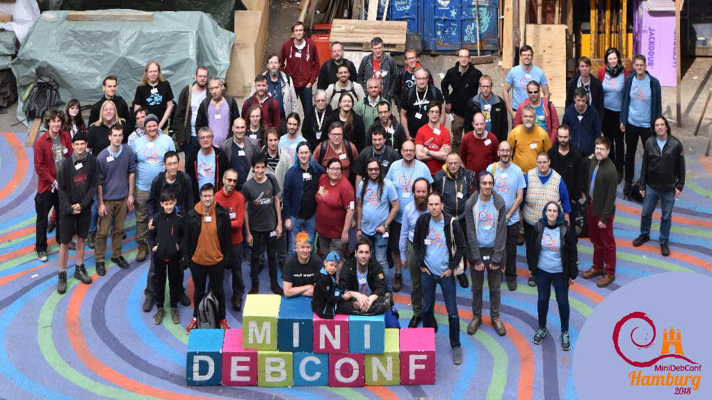 Group photo of the MiniDebConf in Hamburg 2018